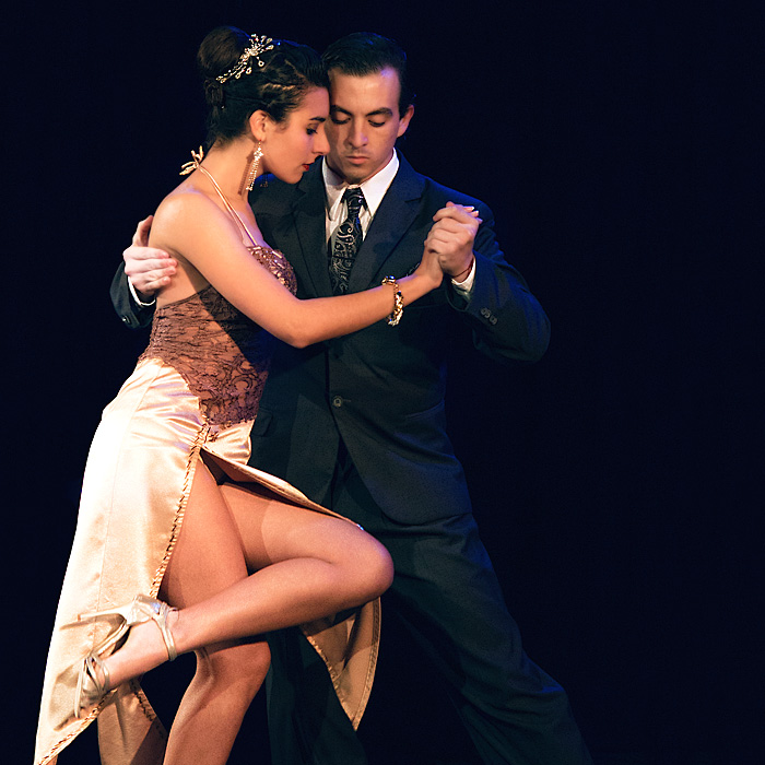 tango couple in competition in buenos aires