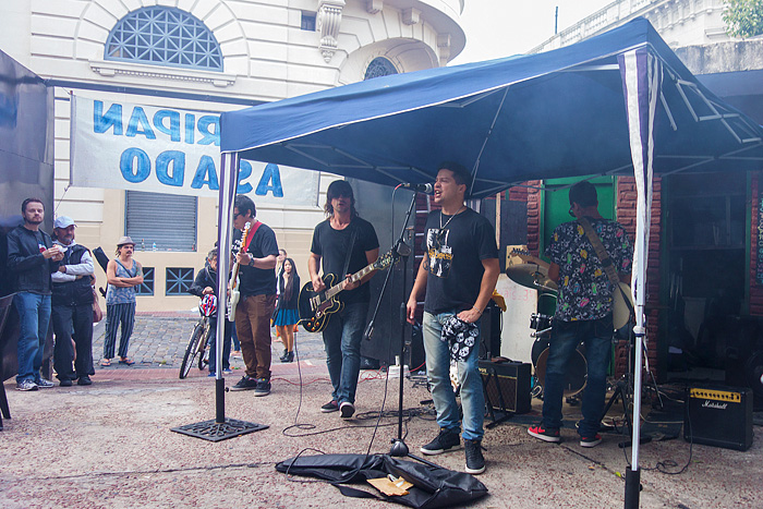 rock band playing at rey del chori in san telmo buenos aires argentina mapes24