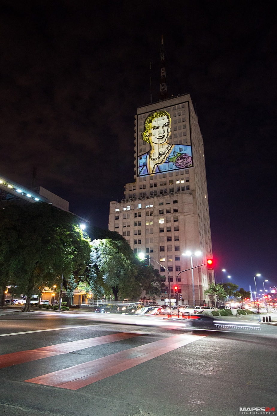 eva peron image on side of building in buenos aires
