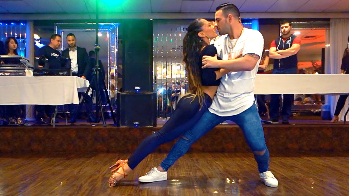 Bachata Performance Videos from the LASBF Pre-Party at Steven's Steakhouse (Los Angeles)